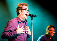 huey-lewis-at-irving-plaza-2