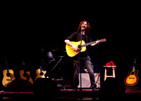 chris cornell at the carnegie  hall-7