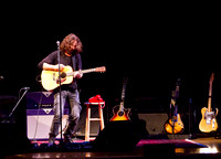 chris cornell at the carnegie  hall-9