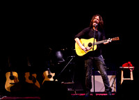 chris cornell at the carnegie  hall-13