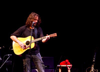 chris cornell at the carnegie  hall-16