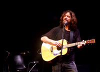 chris cornell at the carnegie  hall-14