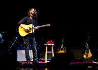 chris cornell at the carnegie  hall-15
