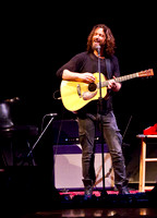 chris cornell at the carnegie  hall-17